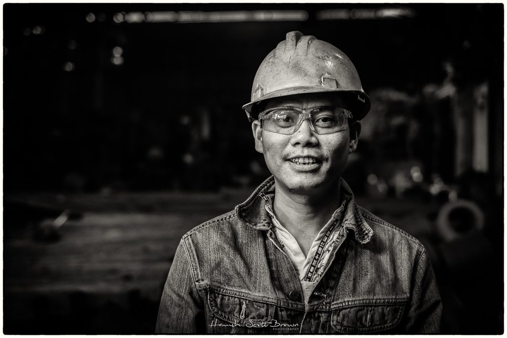 a worker at hanoi steel works ©Hamish Scott-Brown